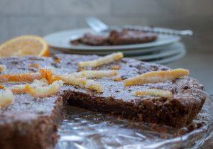 Brownie tart with candied orange
